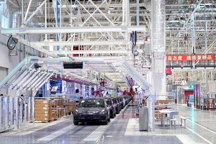 Shanghai government to help Tesla resume production amid coronavirus epidemic