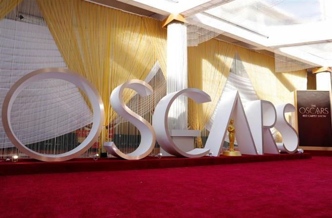 War film '1917,' Joaquin Phoenix lead the race for 2020 Oscars