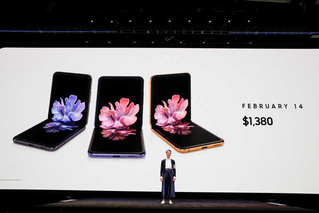 Samsung unveils compact foldable phone, 5G Galaxy S20 to fend off Apple, Huawei