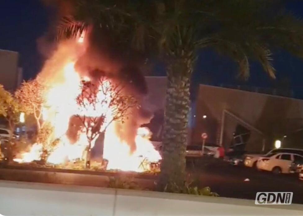 Fire breaks out in food truck in Riffa
