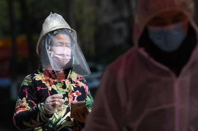 Could warmer weather help contain the coronavirus?