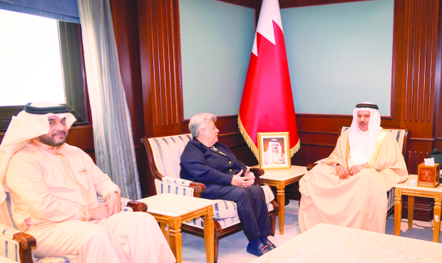 <p>Foreign Minister Dr Abdullatif bin Rashid Al Zayani yesterday met National Institution for Human Rights chairperson Maria Khoury and vice chairperson Khalid Abdulaziz Al Shaer.</p>
