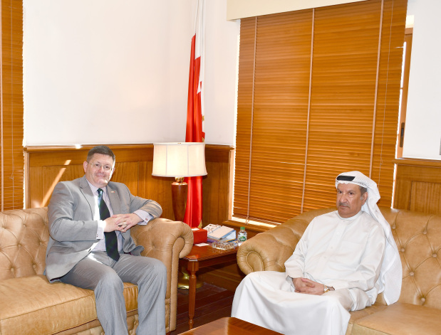 <p>Constitutional Court president Shaikh Khalifa bin Rashid bin Abdulla Al Khalifa received British Ambassador Roderick Drummond.</p>