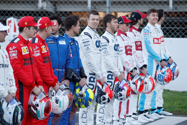 F1 cannot race if a team is denied entry says Brawn