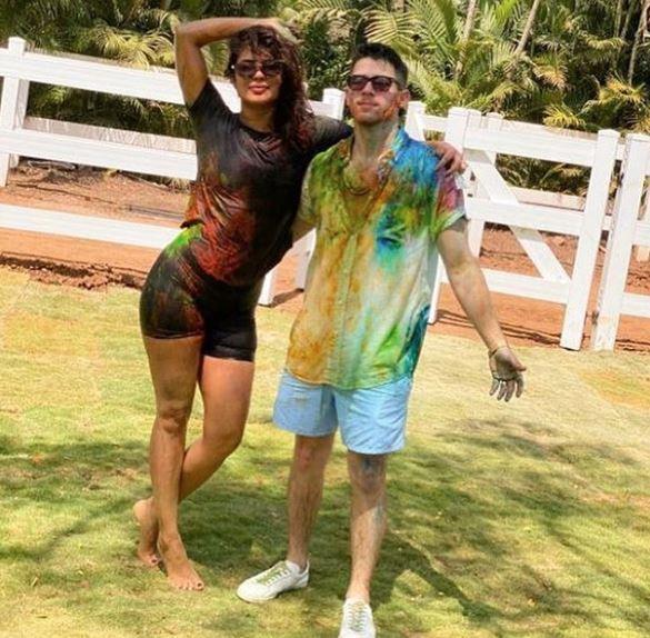 Priyanka Chopra shares colourful photo with Nick Jonas celebrating Holi