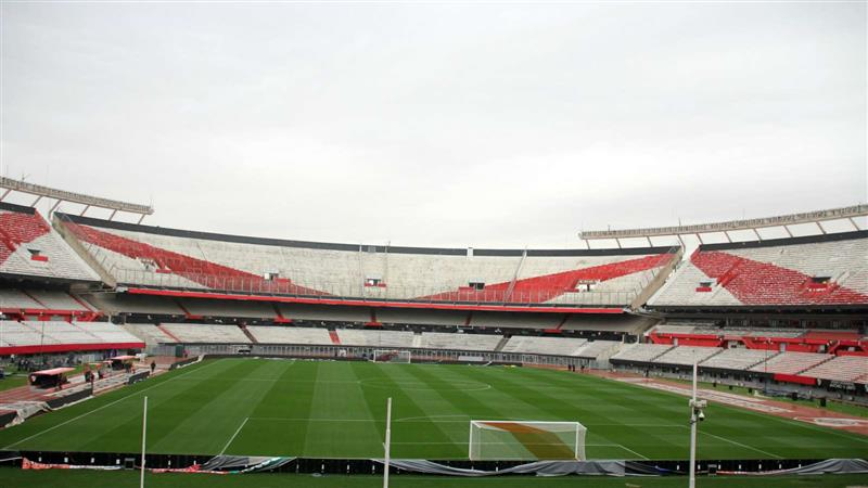Visiting team locked out of stadium after River Plate refuse to play match