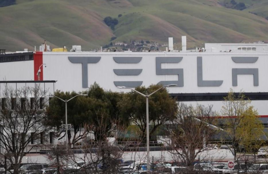 Tesla suspends production at US vehicle factory due to coronavirus