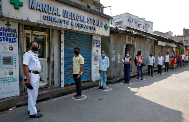 India's coronavirus cases tick up despite immense lockdown
