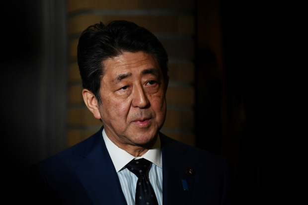 Japan PM Abe sets up coronavirus task force, enacts Europe, Iran entry ban