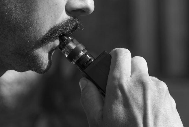 Smoking and vaping may increase Covid-19 risks