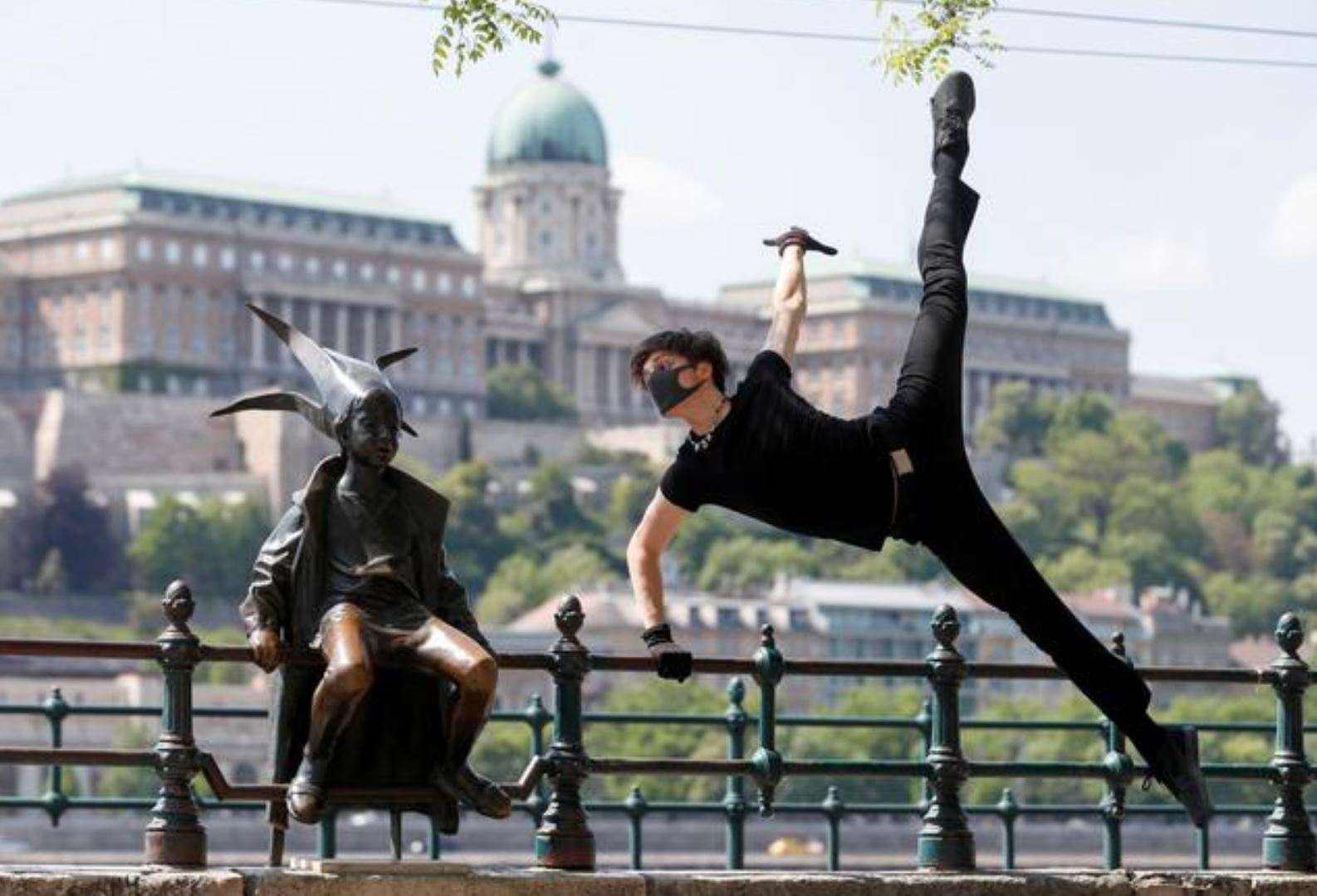 COVID strains: Dancer performs 'virus melody' in empty Budapest square