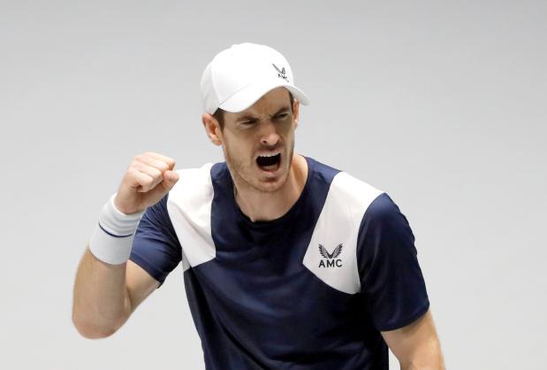 Murray wins Battle of Brits opener