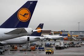 Investors back $10bn Lufthansa rescue plan
