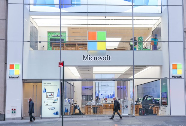 Microsoft to close retail stores