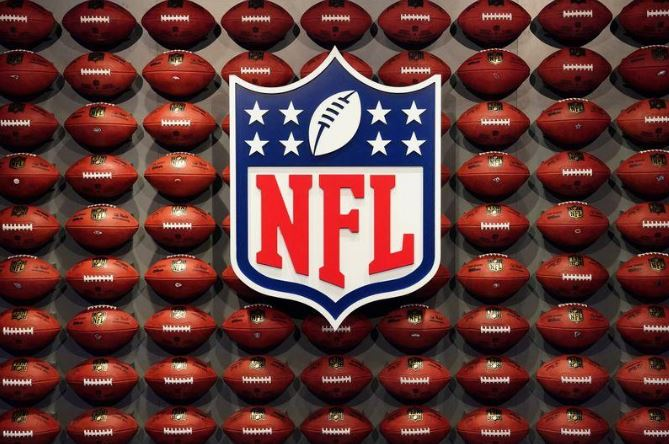 NFL players' union urges players to stop group workouts after deeming them unsafe