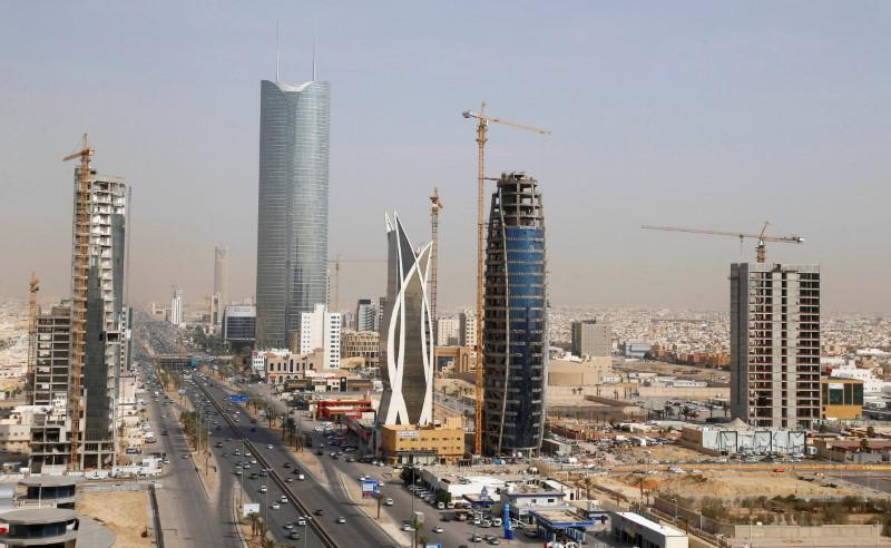 Saudi economy contracts by 1% in Q1 amid oil price plunge