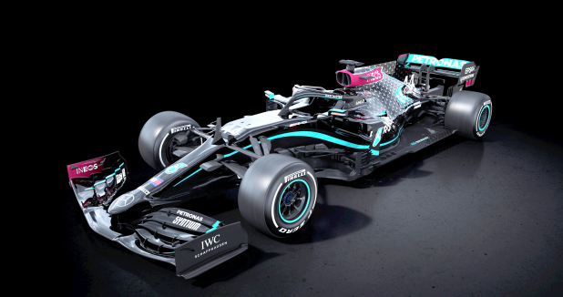 Mercedes to race in black cars