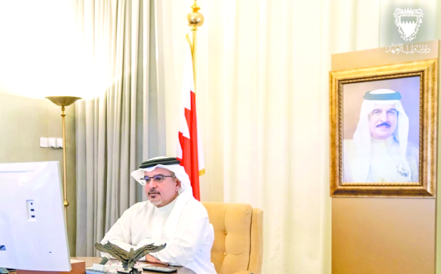 His Royal Highness Prince Salman bin Hamad Al Khalifa, Crown Prince, Deputy Supreme Commander and First Deputy Premier, yesterday chaired a meeting of the Government Executive Committee, held remotely. Latest developments on measures to combat Covid-19 and Bahrain's Tier 1 status in the US State Department 2020 Trafficking in Persons Report were reviewed.