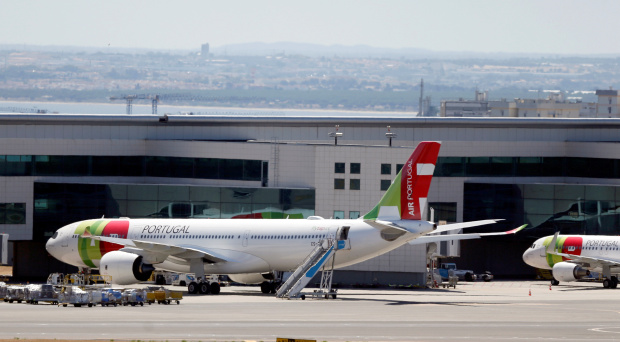 Portugal fumes at exclusion from UK safe travel list