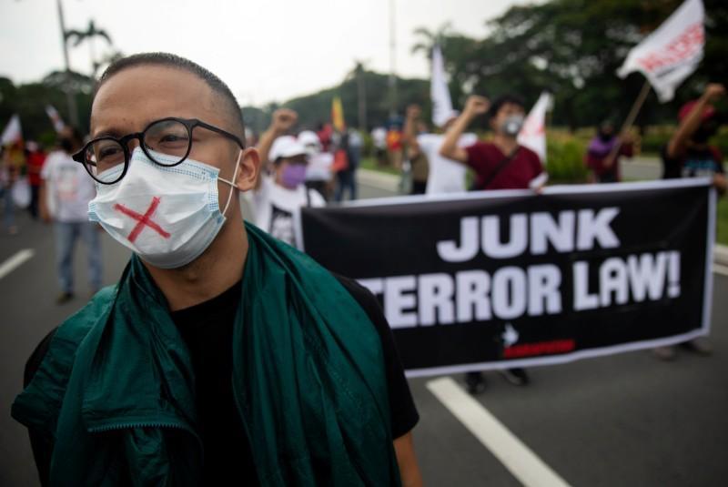 Philippine lawyers press Supreme Court to strike down anti-terror law