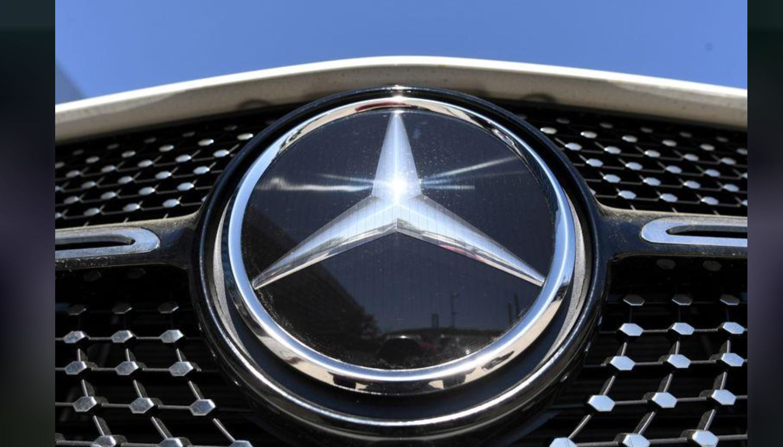 Daimler cautiously optimistic despite expected second-quarter loss