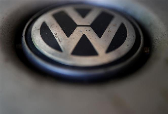 Volkswagen to replace head of software division