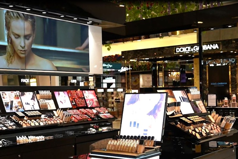 Saks Fifth Avenue Bahrain - one-stop store for all your fashion and beauty needs