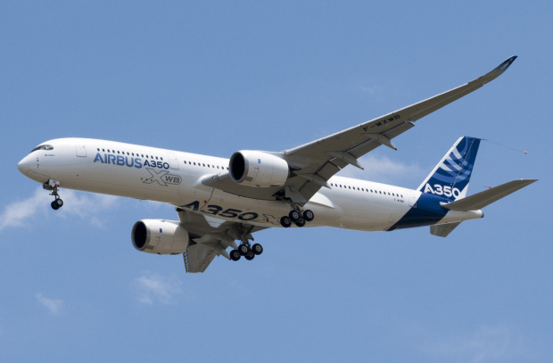 Airbus slashes A350 production