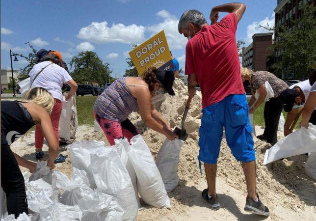 Hurricane Isaias lashes the Bahamas as it bears down on Florida