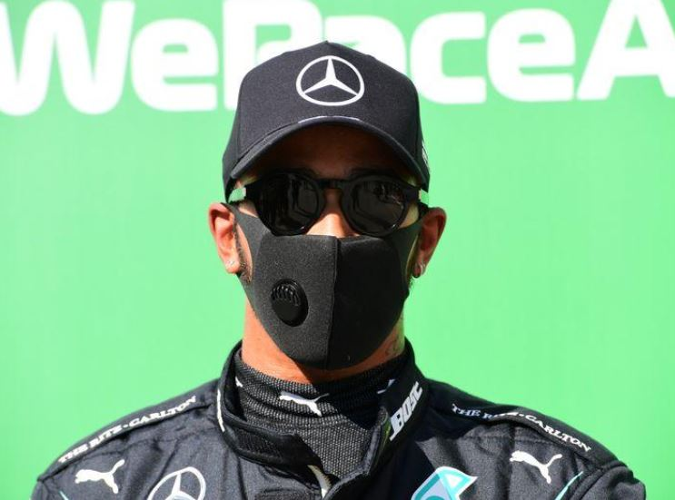 Hamilton posts fastest lap in F1 history to take pole at Monza