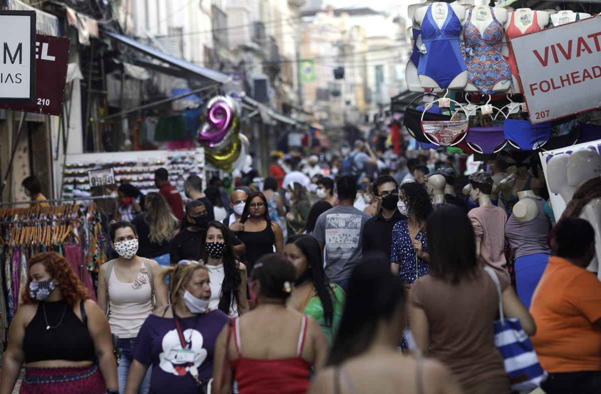 Up to a quarter of Brazilians may not take Covid-19 vaccine