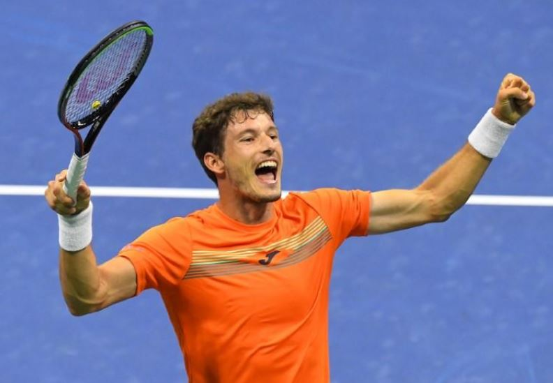 Zverev rallies after early blip to reach last four