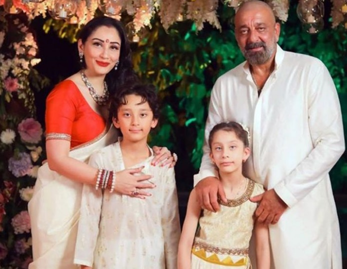 Bollywood actor Sanjay Dutt travels to Dubai with family