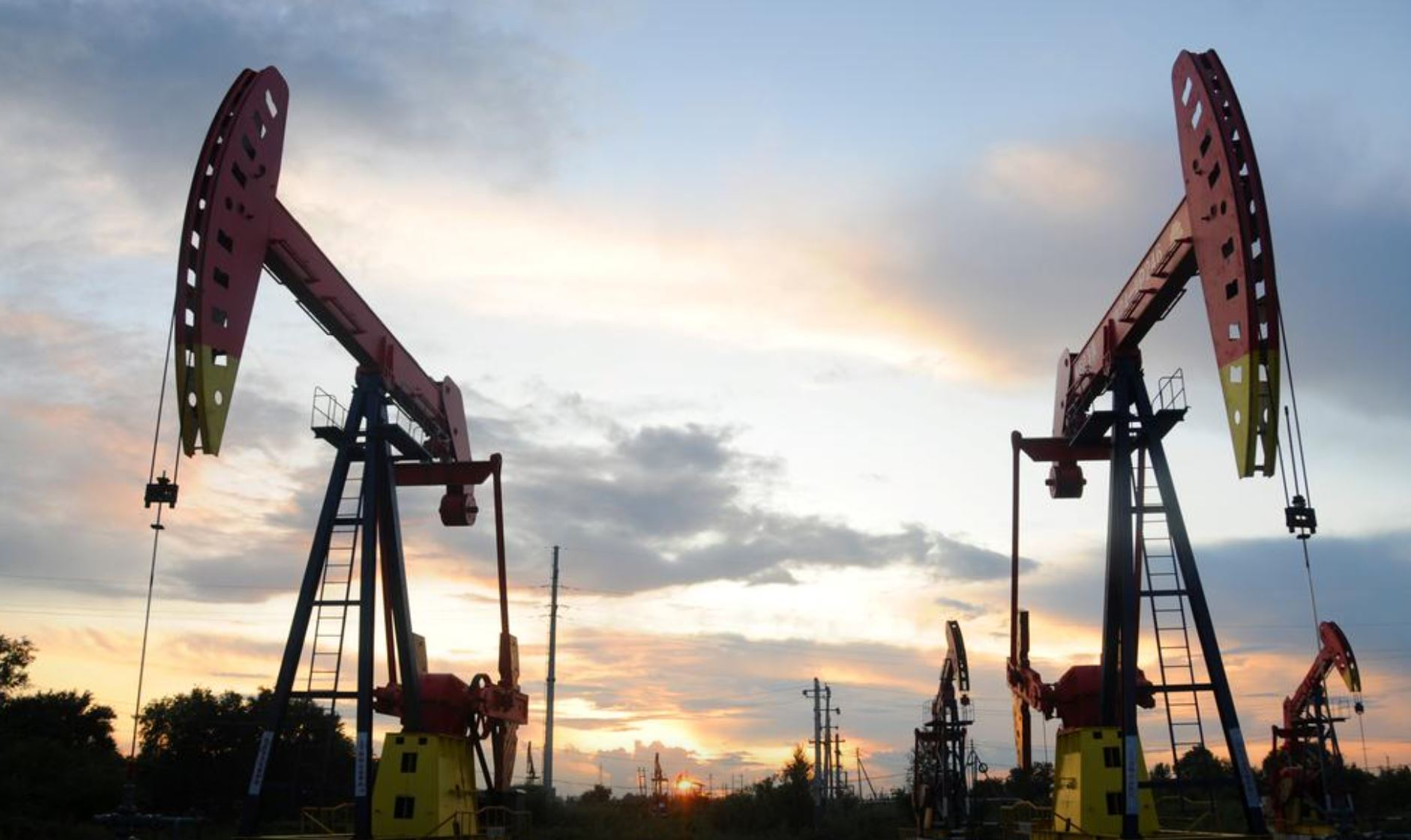 Oil prices steady as third storm in month takes aims at US