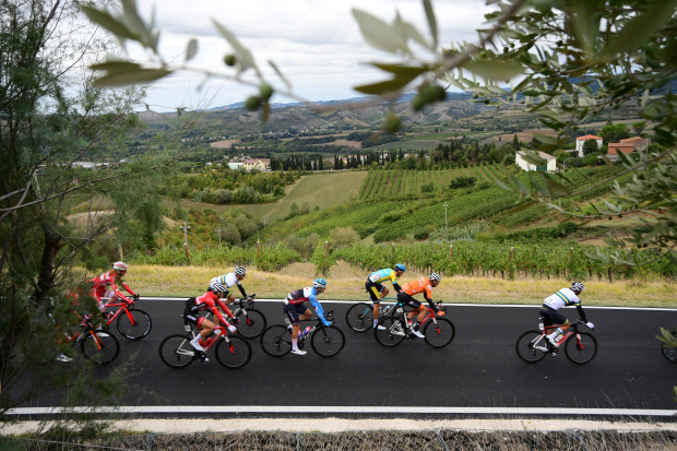 UCI to conduct full survey of crashes in 2021 to improve rider safety