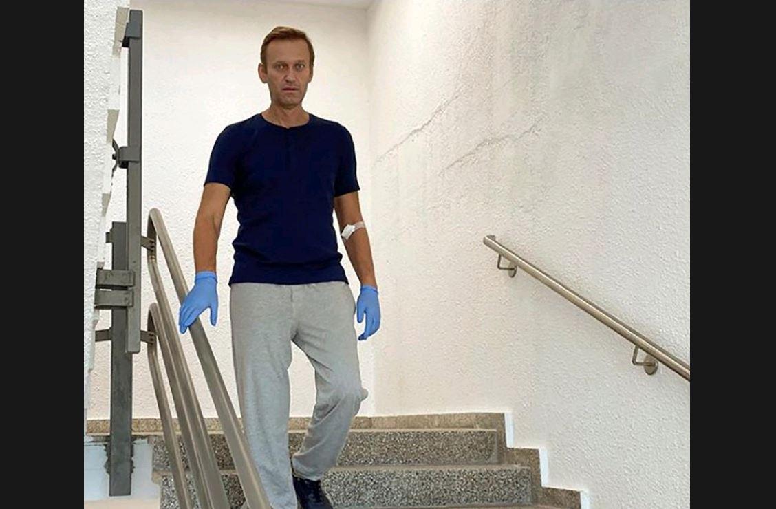 Kremlin critic Navalny to magazine: Putin was behind crime against me