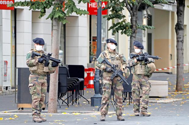 Bahrain condemns terrorist stabbing in Nice